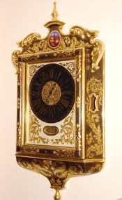 The Maltese Clock's real origin is difficult to trace. However, tradition has it that they adorned houses of the Maltese nobility as far back as the 17th century.